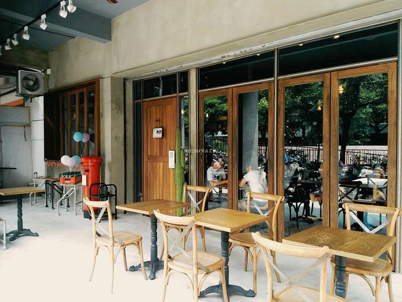 20170714210906 42 - Coffee Smith│蛤蠣如海的義大利麵,虛華少女心冰沙,拍照打卡心機咖啡館