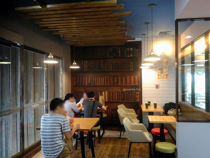 20170721085625 9 - 勤美誠品24小時營業咖啡館 新店進駐 植栽商品氣質綠牆 美食咖啡冰品小小兵