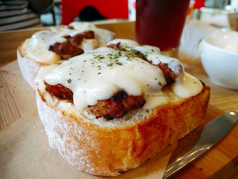 明治時代|麵包自選三明治 新鮮食材沙拉輕食 現點現做 南屯美味早午餐