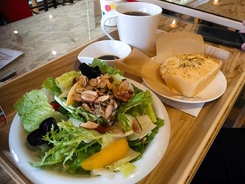 20170906162328 35 - 明治時代|麵包自選三明治 新鮮食材沙拉輕食 現點現做 南屯早午餐