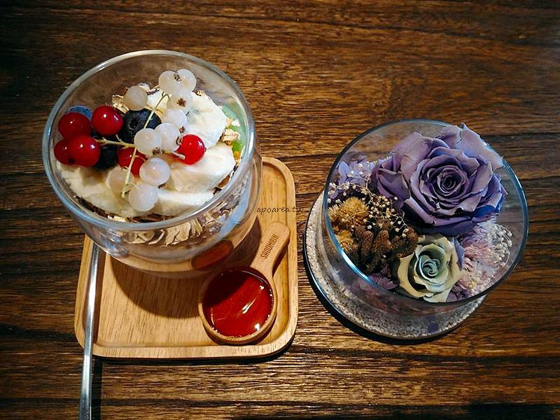 Stay in cafe &手作甜點療癒廚房|逢甲商圈早午餐 健康優格新鮮美味