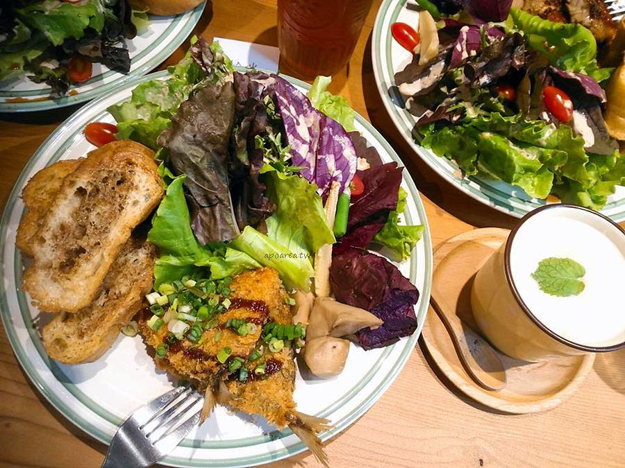 20171013091405 55 - Solar table於光|咖啡輕食早午餐 午間家庭風味料理 平日生菜免費續