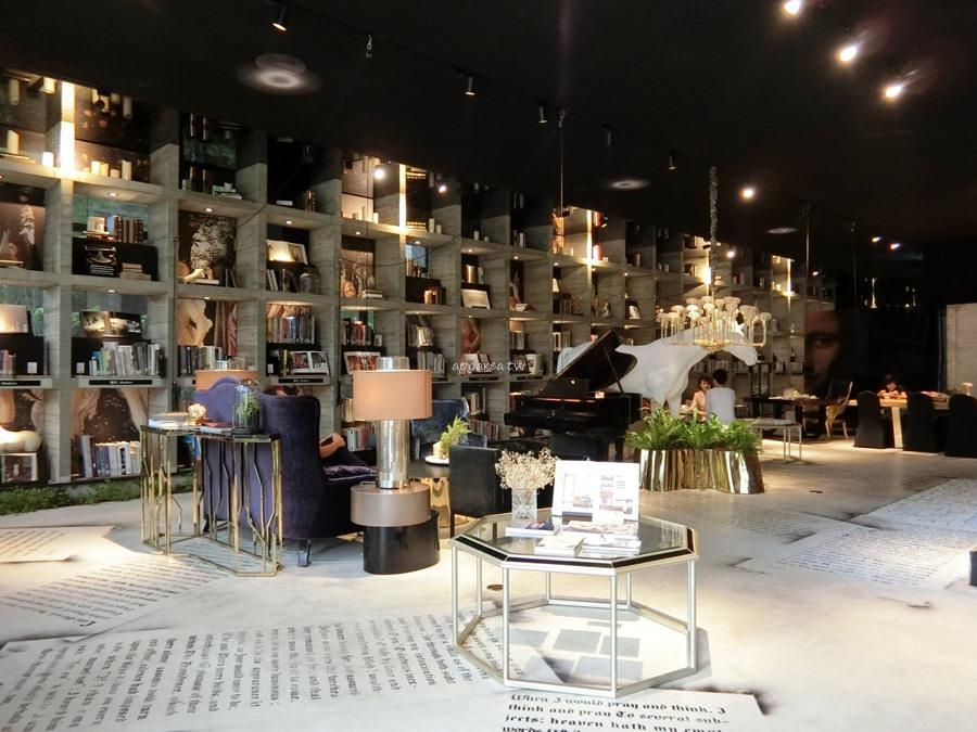 20171121085516 13 - 樂樂書屋|與百年榕樹共享閱讀空間 不限時100元咖啡飲料吧無限暢飲