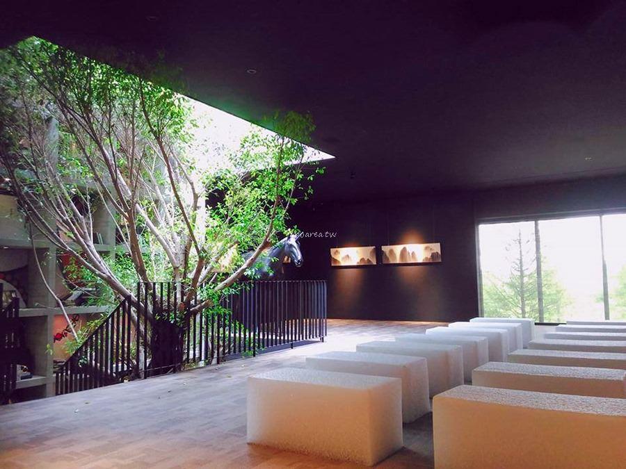20171121085635 30 - 樂樂書屋|與百年榕樹共享閱讀空間 不限時100元咖啡飲料吧無限暢飲