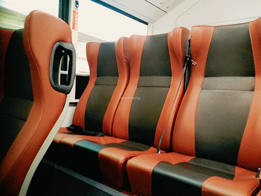 20180225220518 5 - 附USB充電插座的台中市公車你搭過了沒? 紅黑色賽車感舒適座椅 質感大提升