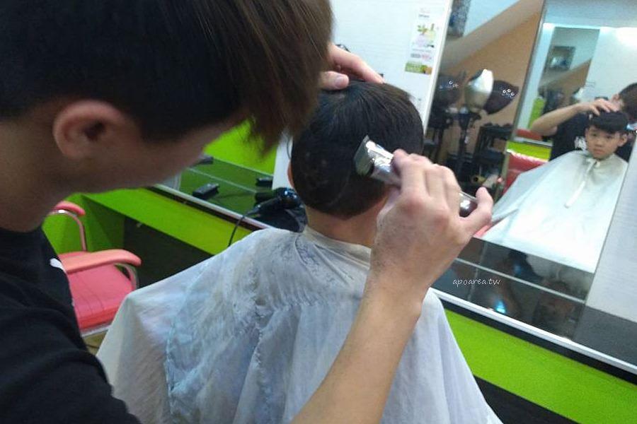 20180306143551 71 - 香港風美髮沙龍|生意很好,兒童卡通造型剪髮與小車子的座椅很受歡迎