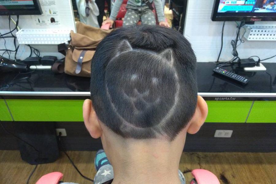 20180306143557 70 - 香港風美髮沙龍|生意很好,兒童卡通造型剪髮與小車子的座椅很受歡迎
