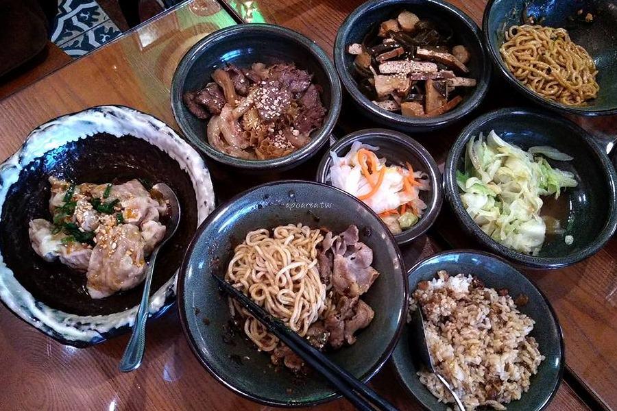 20180312112909 12 - 台中餐廳好做作 超華麗浮誇川味麵館 食尚玩家也推薦
