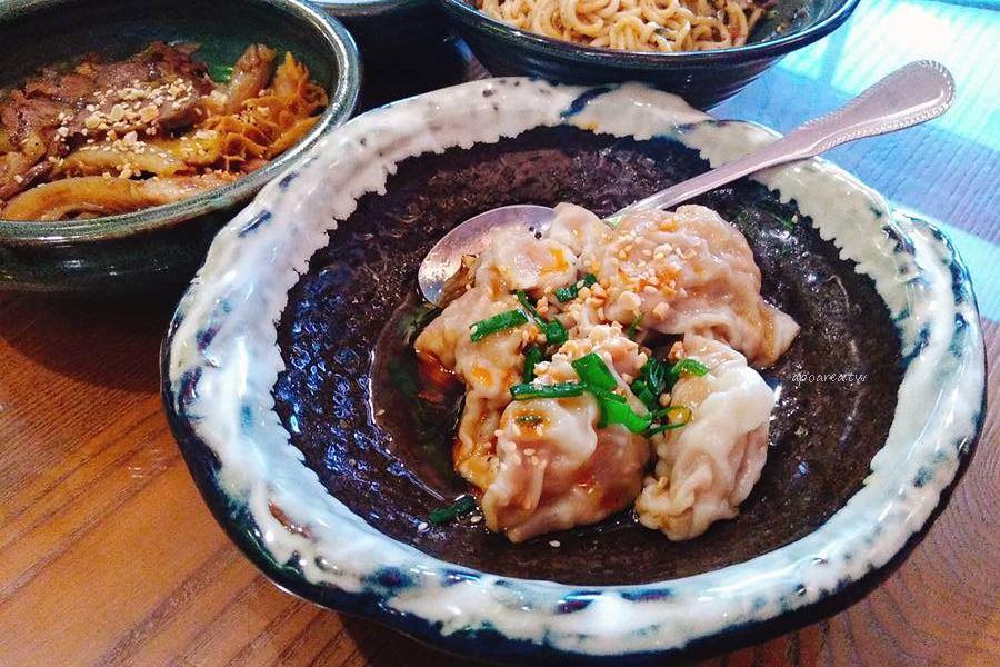20180312112932 34 - 台中餐廳好做作 超華麗浮誇川味麵館 食尚玩家也推薦