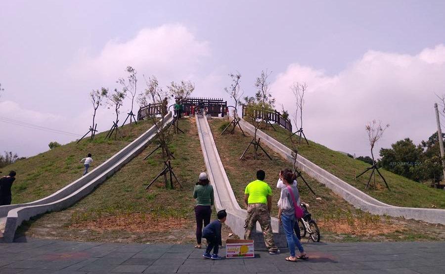 20180318193615 62 - 台中特色溜滑梯 全新復古三滑道 水泥砌成環保好滑 22公尺超長滑道 大雅中科公園 4/4更新再次開放