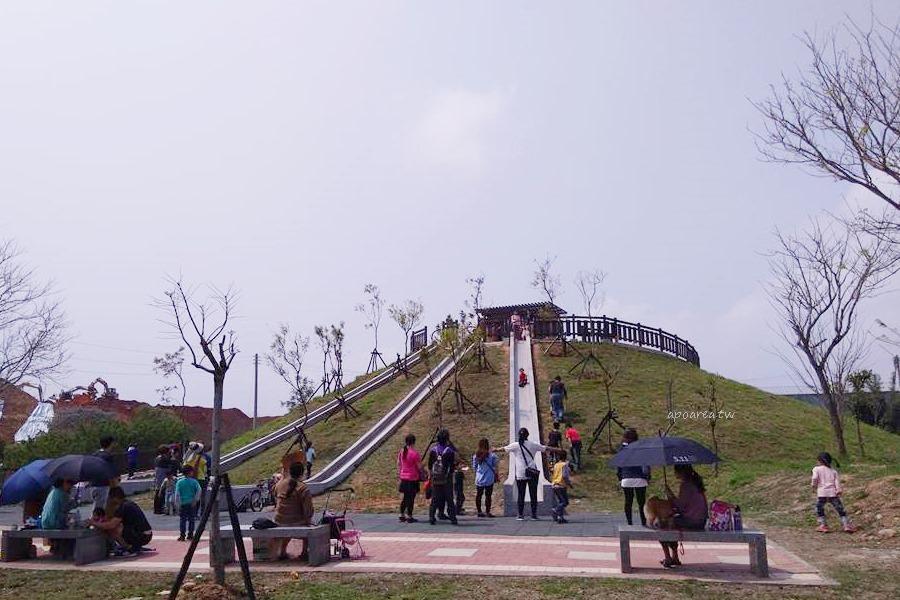 台中磨石子溜滑梯 全新復古三滑道 水泥砌成環保好滑 22公尺超長滑道 大雅中科公園