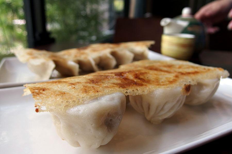 20180401100922 47 - 熱血採訪|黃金張老甕東北酸菜鍋超澎派,還有手工自製麵食小點、韭黃鮮蝦鍋貼