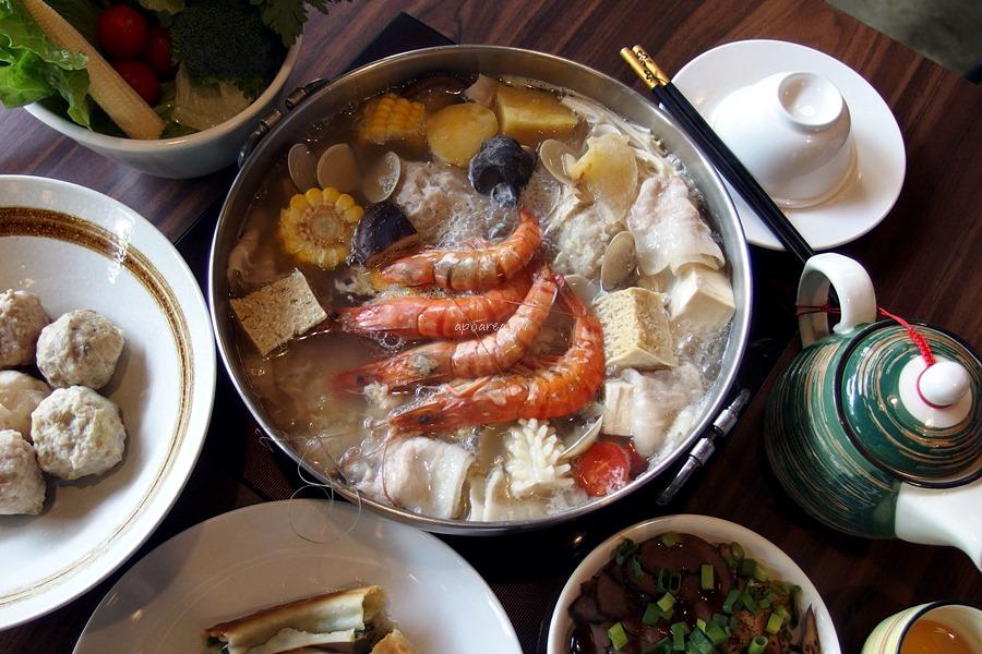 20180401114322 30 - 熱血採訪|黃金張老甕東北酸菜鍋超澎派,還有手工自製麵食小點、韭黃鮮蝦鍋貼