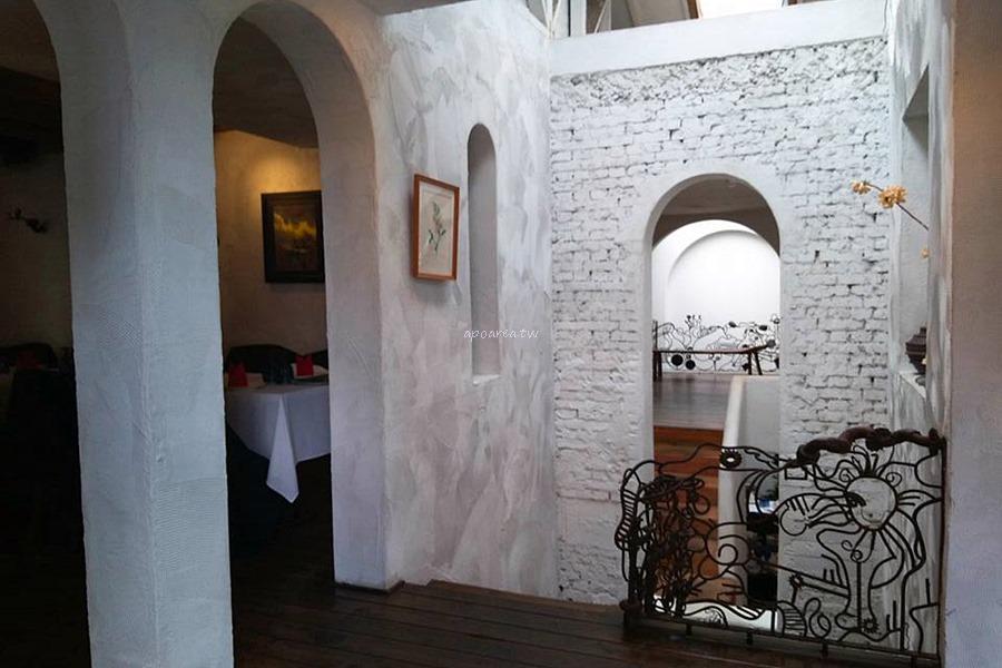 20180417094550 7 - 藍洞意式廚房|點餐附自助沙拉吧吃到飽 花草時尚紅土城堡建築 20多年在地老餐廳