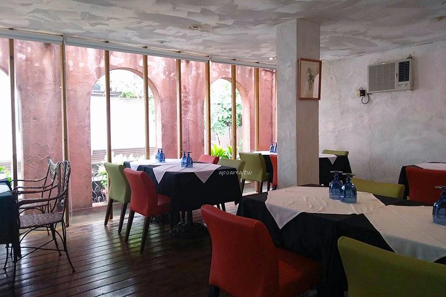 20180417094627 15 - 藍洞意式廚房|點餐附自助沙拉吧吃到飽 花草時尚紅土城堡建築 20多年在地老餐廳
