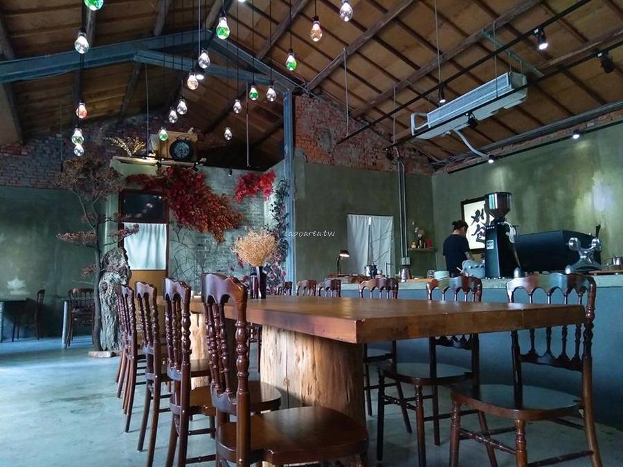飲周公+Eat Bao Lab.刈包餐廳|幽靜小巷內的懷舊空間 刈包咖哩專賣店 一中商圈
