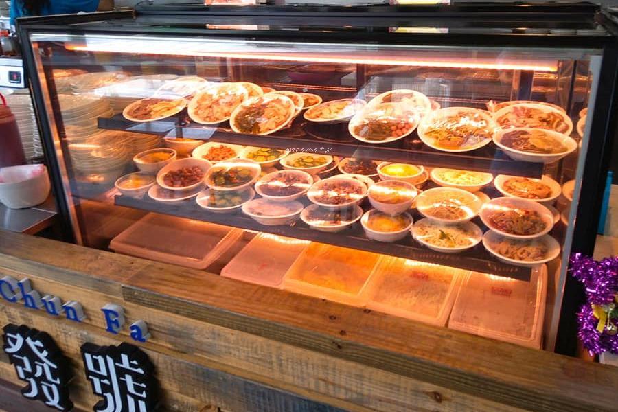 20180522203308 80 - 春發號|吃爌肉飯也能享受文青風 古早味傳統小吃 豬腳肋排滷肉飯 近水湳市場