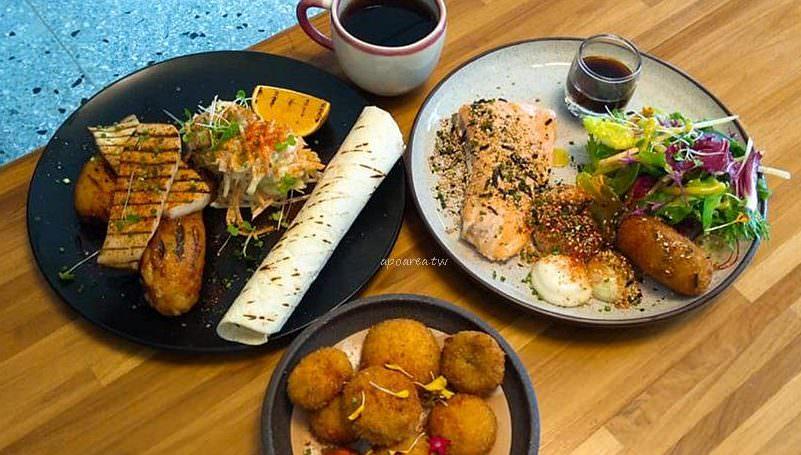 Return gourmet food迴鮭|新光三越百貨對面巷內 教師新村老宅早午餐