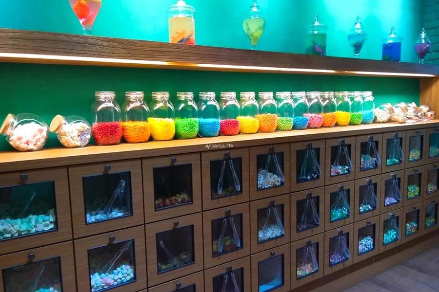20180816214211 60 - Antidote解藥|繽紛可愛糖果店 裝罐裝袋秤重賣 雷根糖 小熊軟糖 一中商圈混搭糖果專賣店