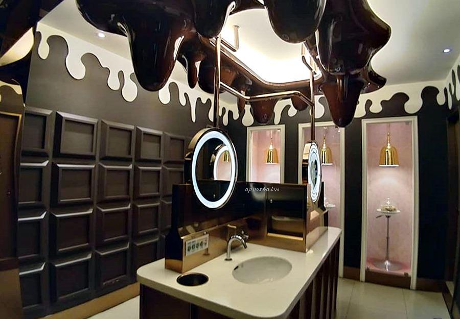 20181113083726 40 - 台中最美廁所 街頭可樂海尼根 公主皇后貴族風 普普海洋甜點風 超多風格任你選