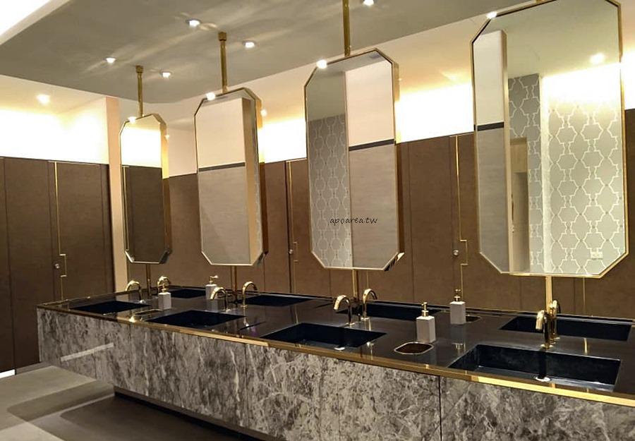 20181114215526 6 - 台中有沙發休息區的充電廁所 華麗有質感的洗手間
