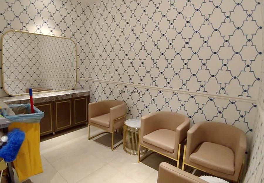 20181114220843 85 - 台中有沙發休息區的充電廁所 華麗有質感的洗手間