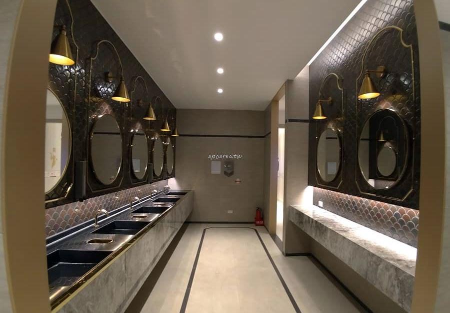 20181122081715 91 - 台中有沙發休息區的充電廁所 華麗有質感的洗手間