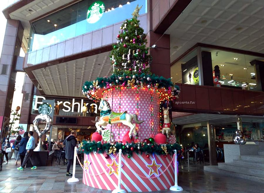 20181129210041 94 - 2018中友百貨聖誕樹 萌粉旋轉木馬蛋糕聖誕樹 夢幻遊樂園迎接聖誕節