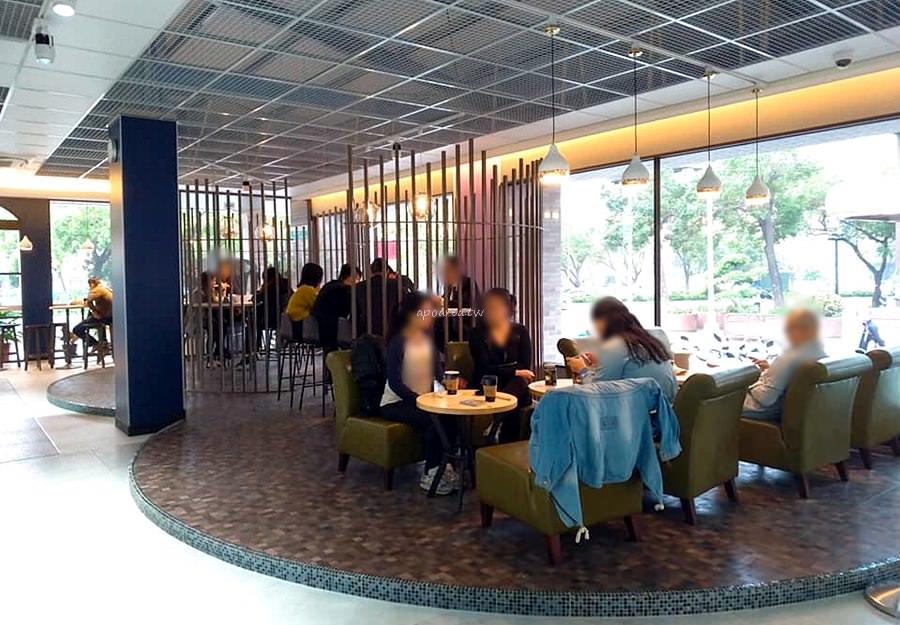 20190221114704 29 - 台中第一間全家咖啡旗艦店來了 2/22開幕 文心中清路捷運站旁 全家Let's Café台中時尚店