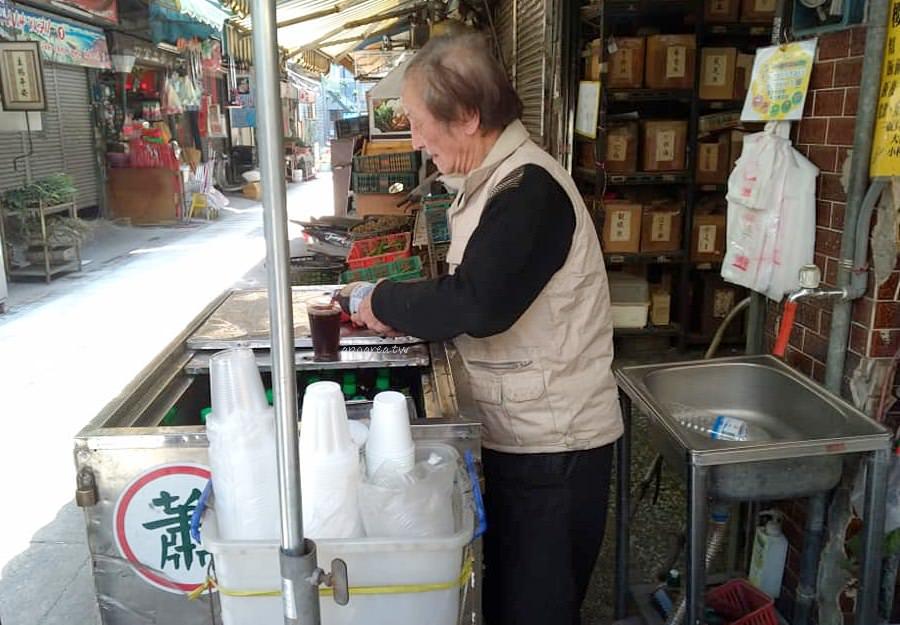 20190312212719 12 - 蕭百草店|超過70年歷史的台中青草街 咖啡紅茶10元起 走逛中區別錯過