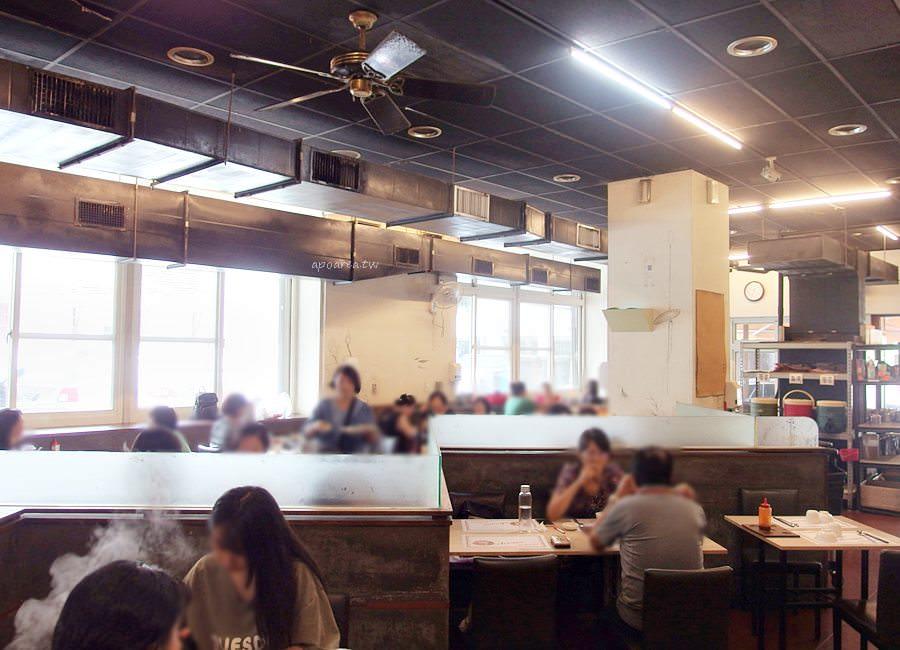 20190703094856 49 - 熱血採訪|台中老字號韓式料理餐廳 50多種小菜免費吃到飽 銅盤烤肉 石鍋拌飯 人蔘雞 炒泡麵 韓式豬五花