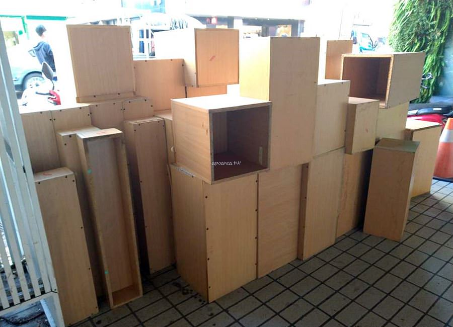 20191019190214 32 - 豐原三民書局絕版品出清 還有免費的層櫃木箱層架 小聖誕樹40元起 明天最後一天
