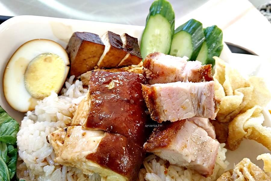 20200325094958 79 - 海記醬油雞飯|新加坡60年歷史老店,醬油雞燒肉飯香鹹美味,免費雞骨湯,中友百貨美食街新店