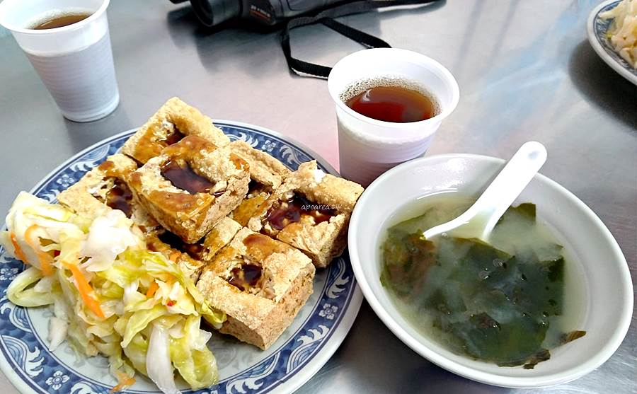 20200330081213 5 - 台中人氣臭豆腐,內用紅茶、湯品免費喝,平日兩點開賣,酥嫩燙口辣醬好搭,瑞穗臭豆腐