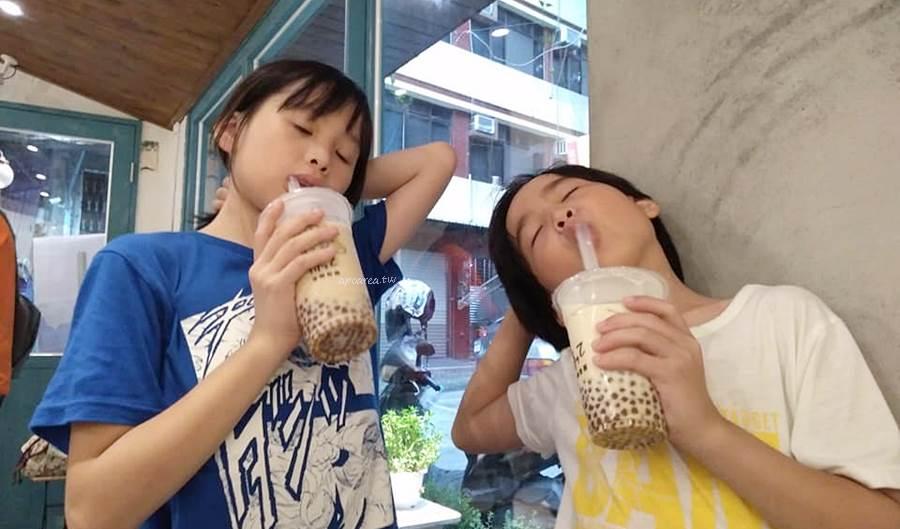 20200511124521 40 - 台南人氣古早味粉圓飲料店來台中!每日限量黑糖珍珠手搖飲,20元起古早味紅茶、仙楂鐵觀音、鮮奶茶等