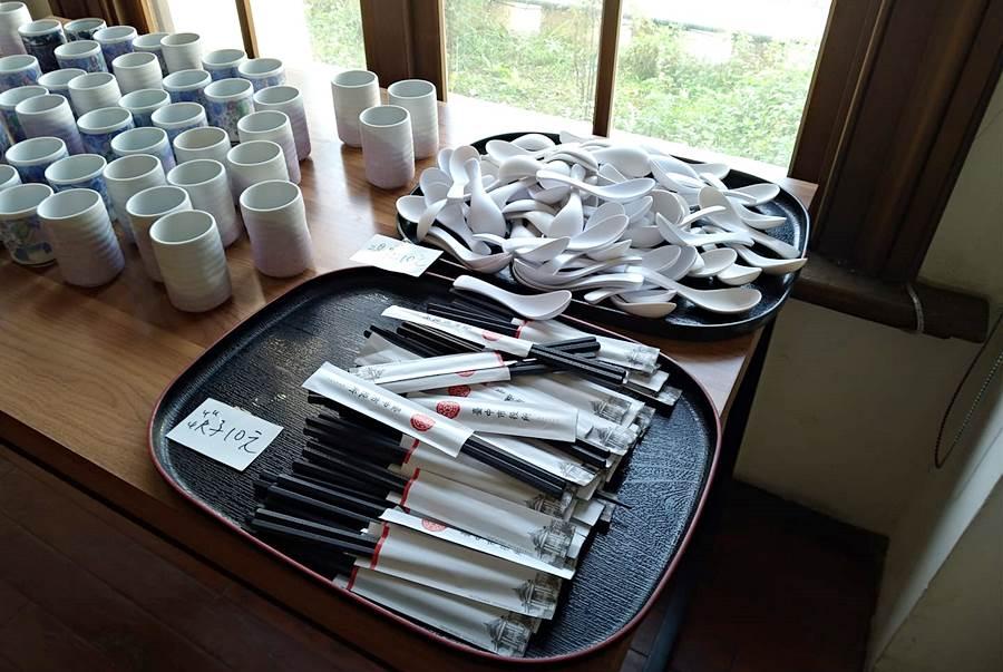 20210104144614 19 - 台中市役所古典玫瑰園結束營業,餐具桌椅展示櫃出清特賣即日起到1/20售完為止